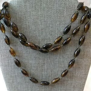 Jewelry - Amber brown beaded necklace
